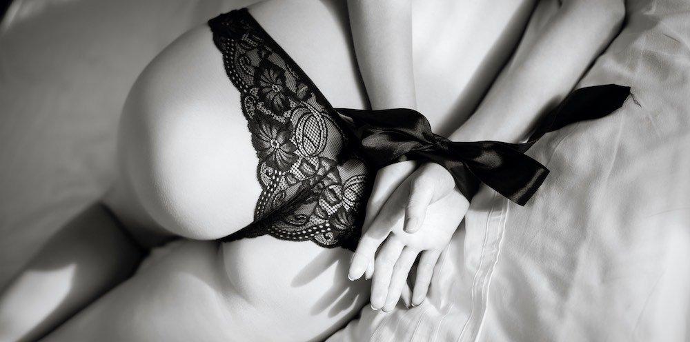 gefesselt-sex-devot-dominanz-uebernehmen